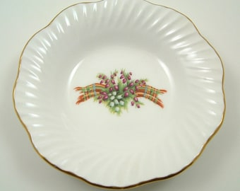 Decorative Holiday Candy or Nut Dish Christmas White with Gold Trim 5""