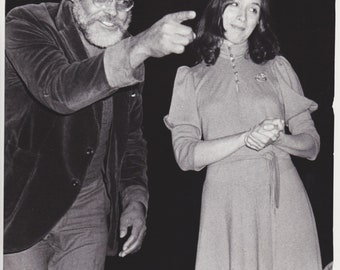 """1980 Vintage Press photograph - James Earl Jones, Maria Tucci - New York - """"A Lesson From Aloes"""" Broadway Play"""