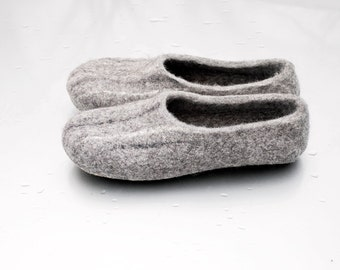 Natural handmade felted wool slippers from Gotland and Iceland sheep wool, Gray woolen clogs, eco friendly organic gift, indoor shoes