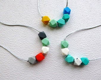 Silicone Teething Necklace Teether Silicone nursing necklace Baby teething necklace Babywearing Breastfeeding Chewelry Baby safe jewelry