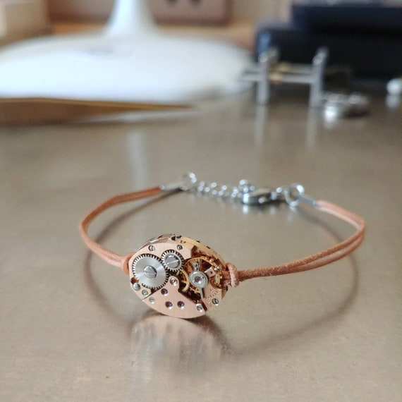 Women bracelet leather with a watch gear nude rose gold
