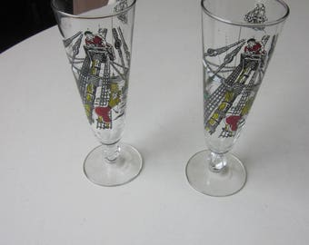 Pair of Vintage Pilsner Beer Glasses Pirate Theme