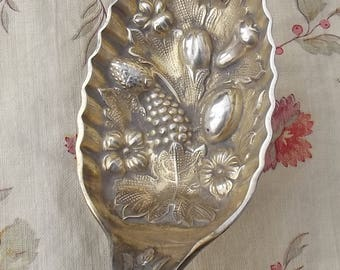 Beautiful Antique English Berry Spoon Trifle Serving Dessert Silver hallmark Cutlery 1800s