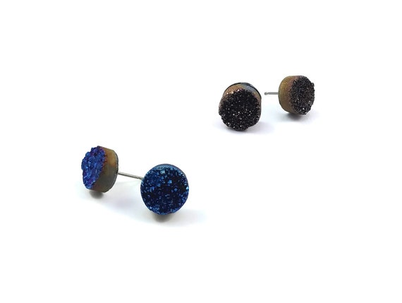 Icy quartz agate druzy stud earrings - Titanium and gemstone