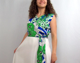 1970s Vintage Maxi Dress Alice of California White, Blue and Green Tropical Print Dress