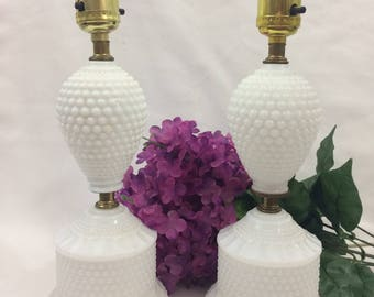 Set of 2 Vintage White Hobnail Table Lamps Country Farmhouse Victorian Style French Country