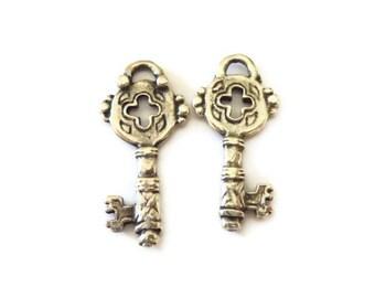 Silver Key Pendant, Key Charms P 30 011