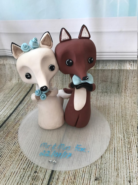 Wedding cake Topper - A lovely keepsake -Fox - Bride and Groom - Next Day dispatch