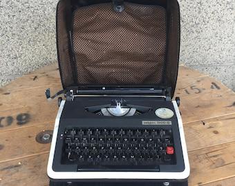 Vintage Typewriter, Typewriter with Case, Xebpoc 1300 Typewriter, Manual Typewriter, Black Typewriter, Old Typewriter.