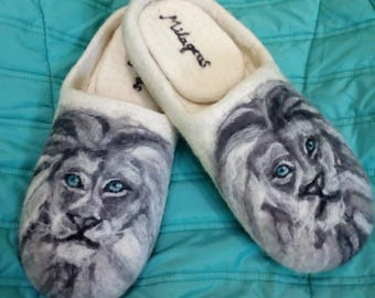 "Slippers felted animal ""The Lions"" for man"