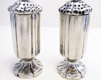 Rare Indian Colonial era (c1880), Art Nouveau Solid Sterling .900 Salt and Pepper Pots Castor Cruet Set. Hamilton & Co. Late 19th-century