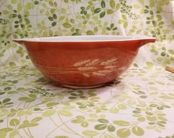 Pyrex Autum harvest Cinderella mixing bowl 444 4 L red burnt orange wheat 1970s