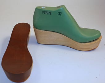 Last/shoe form for 7cm wedge