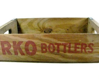 VINTAGE RKO Bottlers CRATE  / Natural Wood / 1980s / Soda Pop Bottle Crate