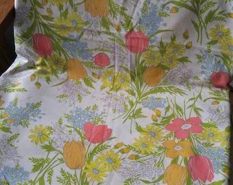 Vtg Dan River Dantrel flat Dbl bed sheet , tulip design , flower power , spring , summer , floral , pink , orange , garden