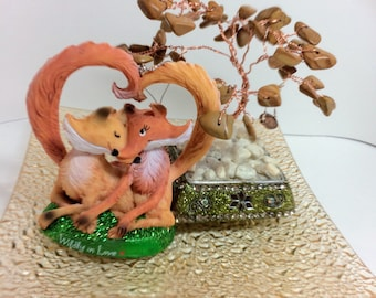 wirewrapped bonsai tree and foxes in love centerpiece