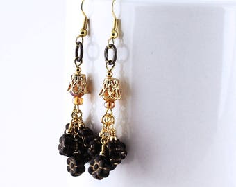 Black Daisy Earrings - Czech Glass Flowers, Honey Gold Beads, Black Jump Rings, Gold Finished Steel Earwires, Beaded Dangles