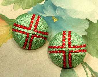 1 Pair - Red Cross in Green - Hand Embroidered Buttons - 33mm