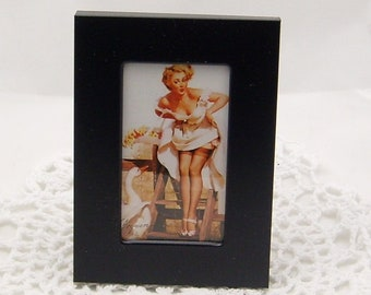 Pin Up Girl Picture