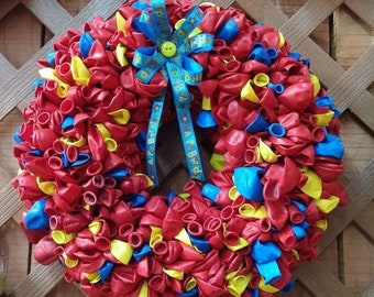 "Festive 15"" Birthday Wreath Party Decoration with 500+ Balloons"