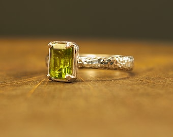 Rustic Ring, Silver Ring, Rough Ring, Chrysolite, Peridot, Rustic Jewelry, Rough Jewelry, Peridot Ring, Peridot Jewelry, Peridot Ring Silver