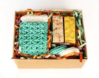 Gift Basket, 2xNatural Soaps, 2xFace Cloths, 2SetsxFace Scrubbies, Luxurious Natural Soap with Organic Ingredients