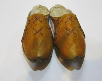 Genuine Leather  HandMade  Organic Turkish Yemeni Slippers yellow. Number feet from 34 to 45