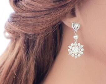 Bridal earrings, vintage chandelier earrings, wedding earrings, crystal earrings, bridal jewelry, rhinestone earrings, wedding jewelry