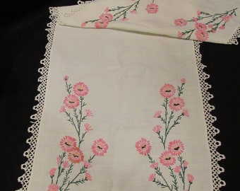 """Vintage Hand Embroidered Linen Table Runner Dresser Scarf Tatted?  Edge Pink Floral Asters 41"""" L x 15.5"""" W  Home Decor Needlework Shabby"""