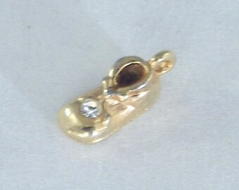 Tiny Tiny Shoe Bracelet Charm