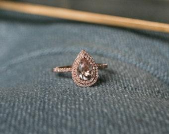 Halo Engagement Ring, Pear Morganite, Morganite Engagement Ring, Morganite Ring, Rose Gold Morganite Ring, Morganite Rose Gold Ring, Gold