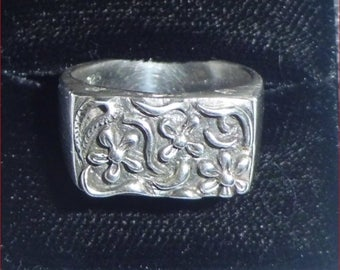 Vintage Floral Sterling Silver Ring    UK N.5