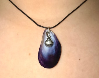 Mussel Seashell Charm Necklace