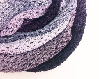 Infinity Whirl Crochet Cowl Pattern / infinity scarf / grannie stitch / Scheepjes Whirl / scarf / winter accessory