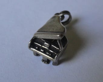 Vintage Silver Tone Grand Piano Shape Charm Pendant