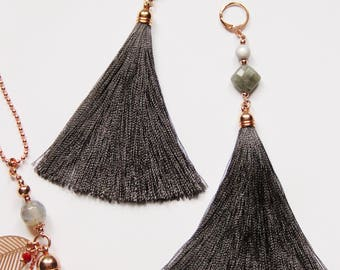Long earrings with tassels and Edelstene Labradorite