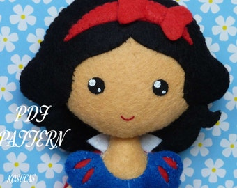 PDF sewing pattern to make a felt doll inspired in Snow White.