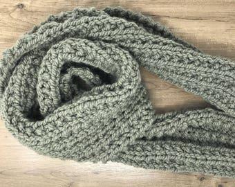 Gray chunky knit scarf