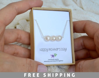 Mothers Day Personalize - Mother Pearl Necklace - Mothers Day Gift for Grandma - 3 Pearl Silver Necklace - Mom Necklace - Pearl Necklace