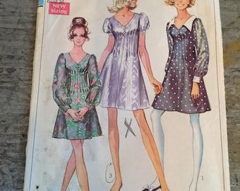 Vintage Simplicity 8089 Sewing Pattern Misses' Juniors' Dress Size 12 Bust 34