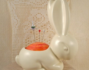 Beautiful vintage mid century matt finish large bunny planter made into a pin cushion