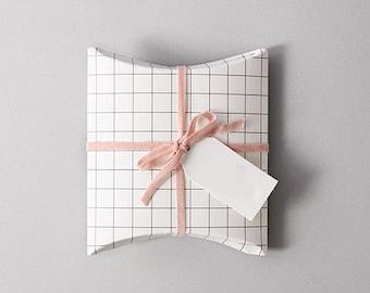 5 grid pattern pillow box,small pillow box,cute pillow box,wedding favor box,gift box,small flat gift box,Scandinavian pattern,unique gift