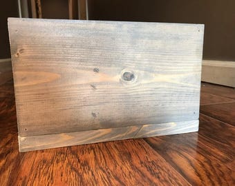 Classic Gray Distressed Pallet Wood Centerpiece