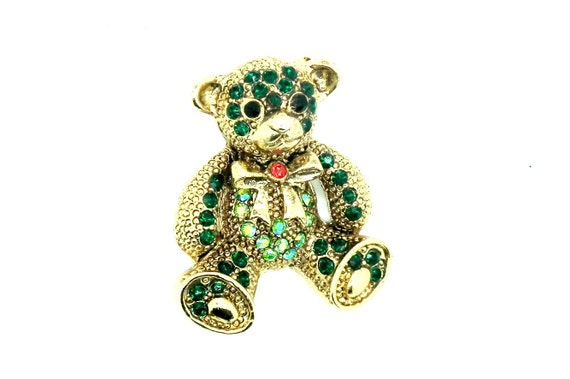 Shopping for animal pins and brooches? This vintage pin brooch is for you!