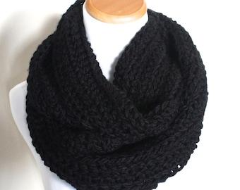 THE PYXIS - Chunky Infinity Scarf, Crochet Infinity Scarf / Black