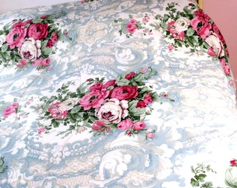 "QUILT .Beautiful Queen size blue french toile w Roses 50pct Cotton 50% Polyester 84""  x 84"""
