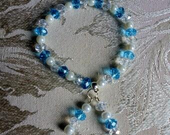 Blue and white bracelet. Bridesmaid bracelet. Beaded stretch bracelet. Stretch bracelet. Elastic bracelet. Beaded bracelet.