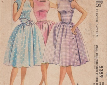 McCalls 5359 / Vintage 60s Sewing Pattern / Dress / Size 12 Bust 32