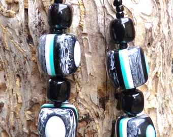 Retro teal black and white chunky necklace