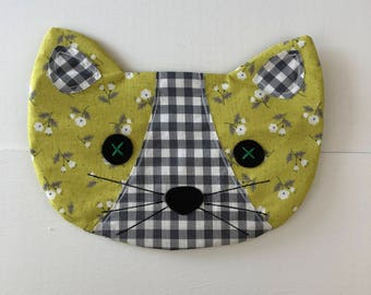 Cat Pouch - Betsy